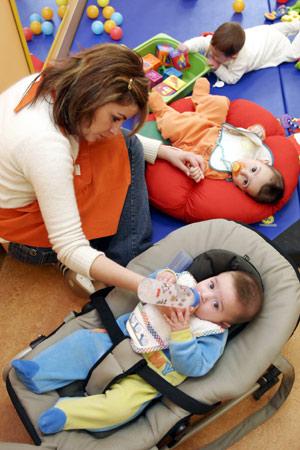 Los bebes deben estar en la guardería menos de 8 horas diarias