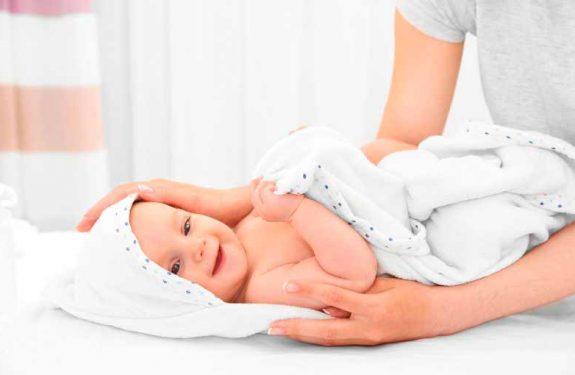 Cuidados básicos de un bebé recién nacido