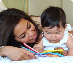 La estimulación del bebé a los 7 meses implica realizar actividades y ejercicios para esa etapa de desarrollo