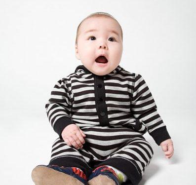 El beb de 9 meses desarrollo del beb de 9 meses el beb mes a mes - Bebe de 9 meses ...
