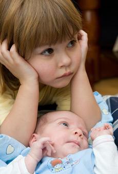 Los niños celosos necesitan percibir tu amor de sus padres
