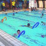 Cada verano aparecen nuevas escuelas de natación para niños