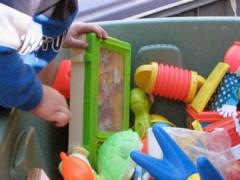 El niño obsesivo necesita ordena, cuenta  y tiene todo bajo su control