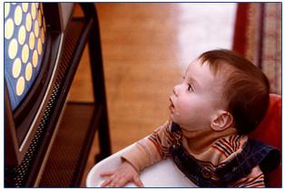 La televisión debe evitarse antes de los 3 años de edad