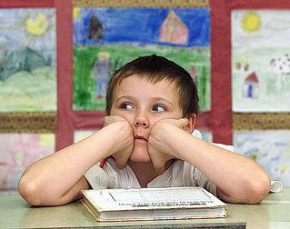 Los niños con problemas de aprendizaje reciben terapia psicológica