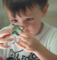Los médicos necesitan evaluar la conducta del niño para hacer un diagnóstico del síndrome Asperger