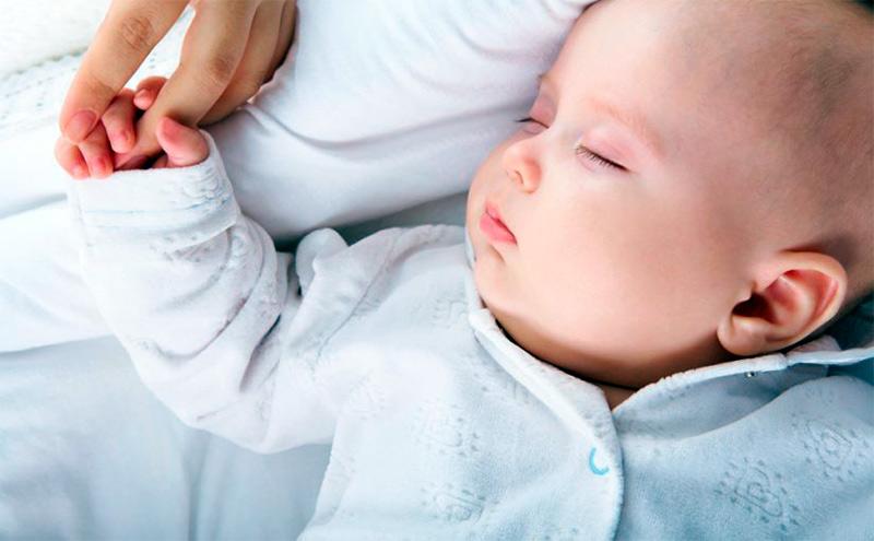 Cómo hacer que mi bebé duerma la siesta