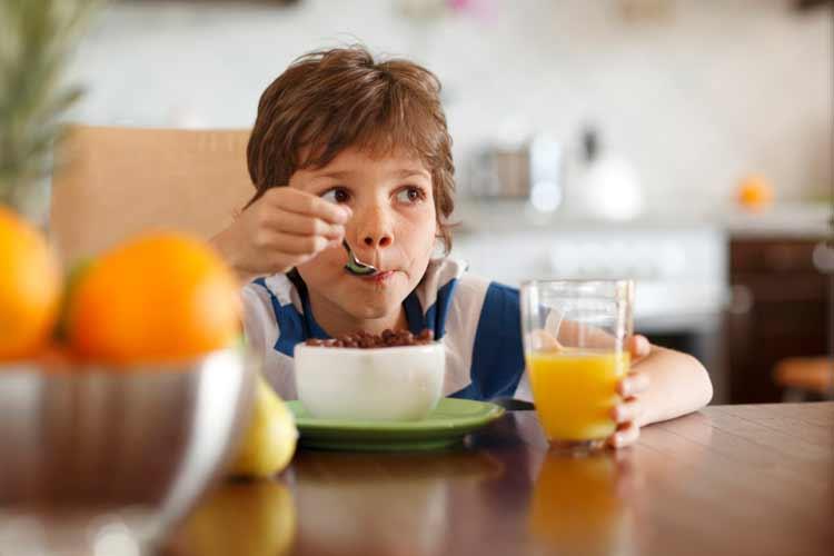 ¿Cómo saber si mi hijo tiene sobrepeso?