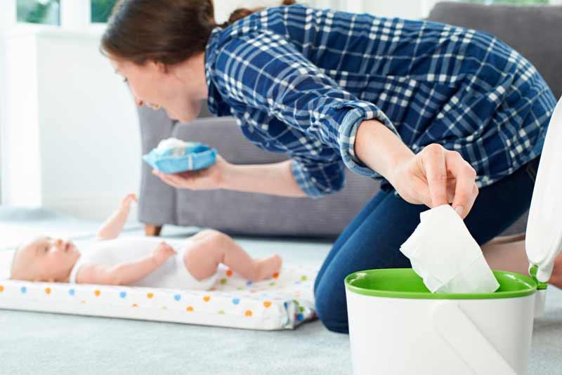 Contenedor de pañales para la habitación del bebé