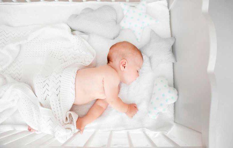 La iluminaci n en la habitaci n del beb la luz en el for Iluminacion habitacion bebe