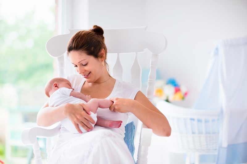 Silla de lactancia para la habitación del bebé