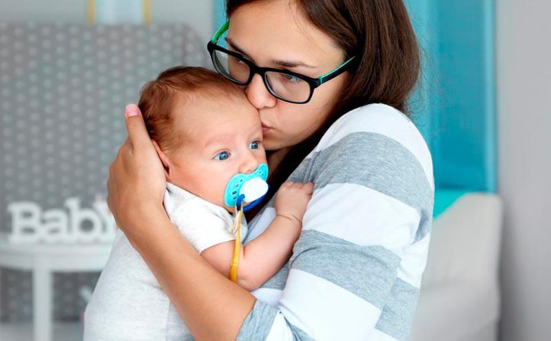 Cómo peinar el pelo del bebé