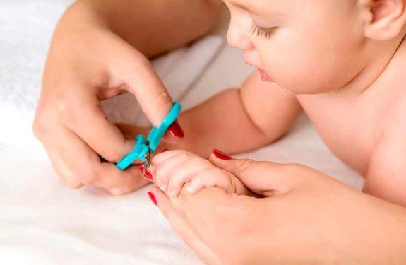 Cuidados de las uñas del bebé
