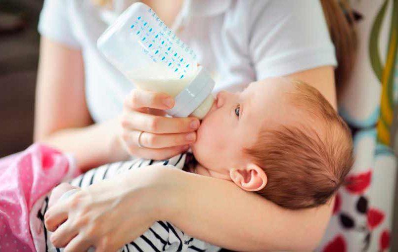 Cómo esterilizar el biberón del bebé