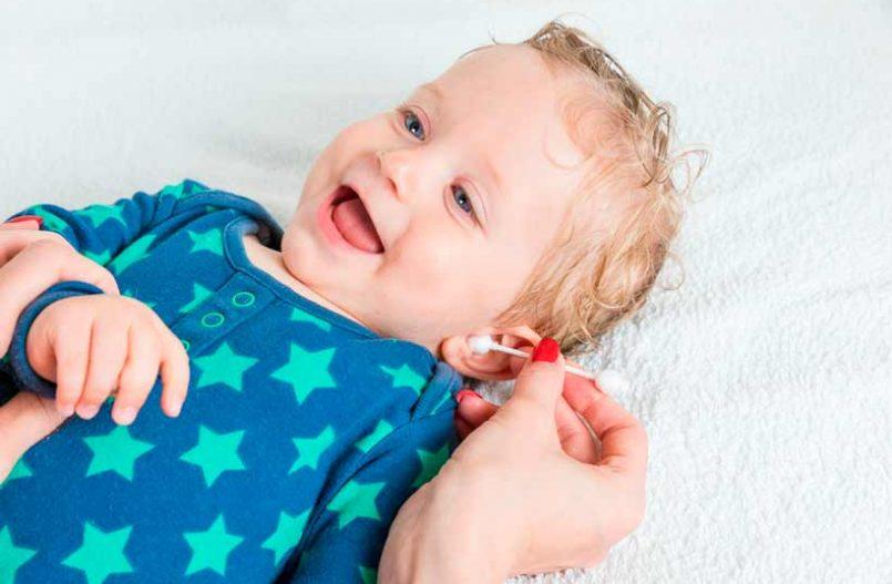 Cómo limpiar las orejas del bebé