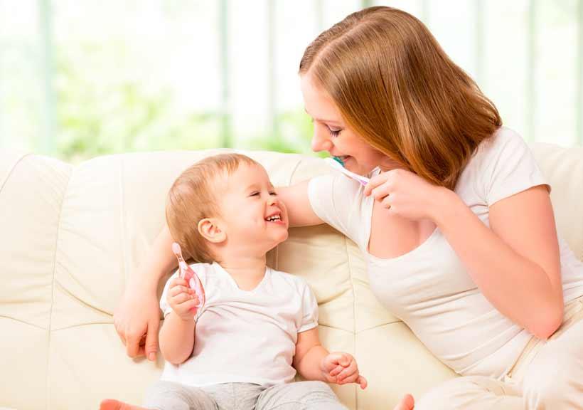 Cómo cuidar los dientes del bebé