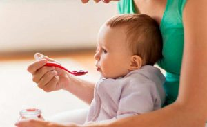 Introducción de alimentos sólidos en la alimentación infantil
