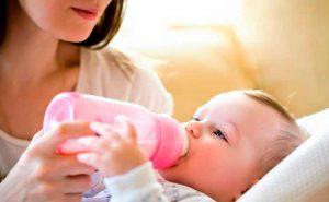 Ventajas e inconvenientes de la lactancia artificial