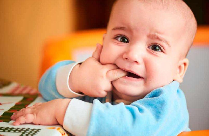 Sintomas cuando salen los primeros dientes a los bebes