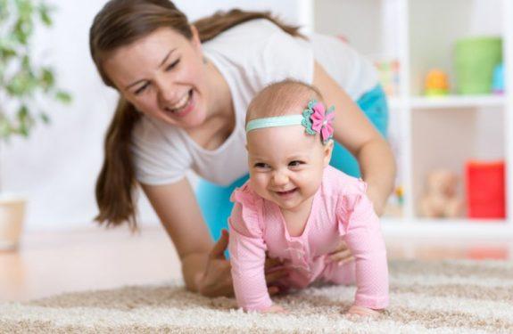 ¿Con cuántos meses empiezan a gatear los bebés?