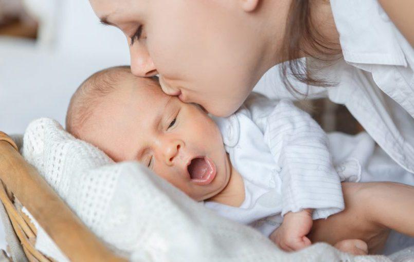 como bajar la fiebre bebe de 5 meses