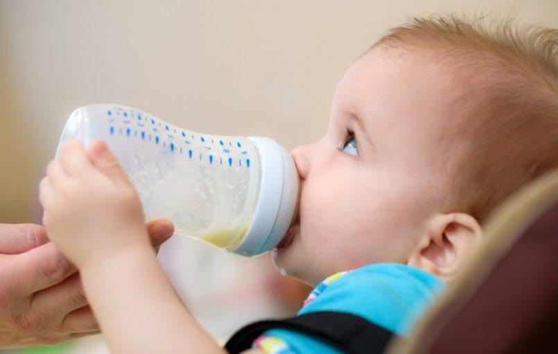 Cuanto debe comer una bebe de 5 meses