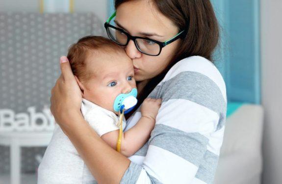 ¿Con cuánta fiebre hay que llevar al bebé a urgencias?