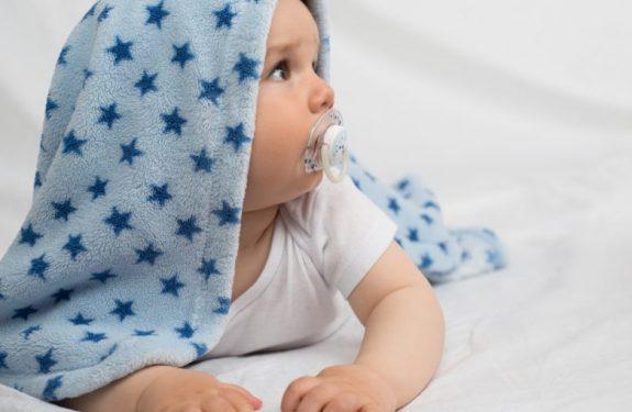 ¿A qué edad puede llevar chupete el bebé?