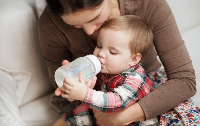 ¿La alimentación complementaria puede provocar estreñimiento en los bebés?