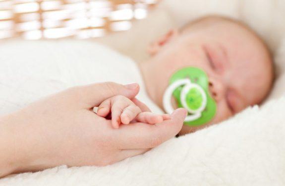 ¿Es peligroso el chupete para los bebés?