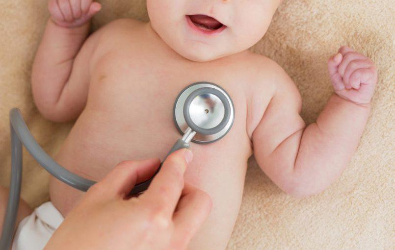 Primera revisión pediátrica del recién nacido
