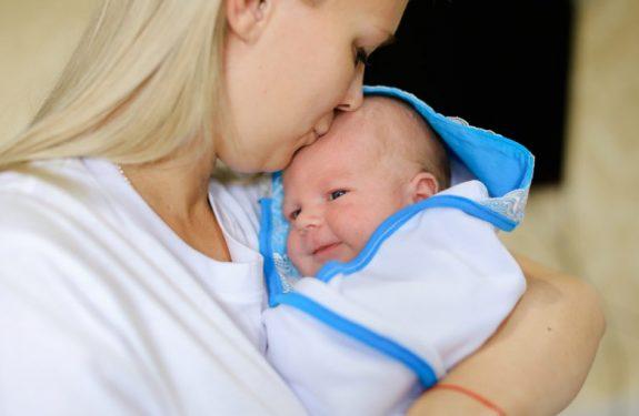 Trucos para aliviar el hipo en los bebés