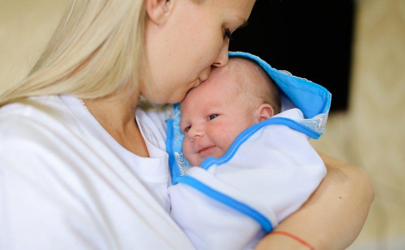 Trucos caseros para quitar el hipo a los bebés