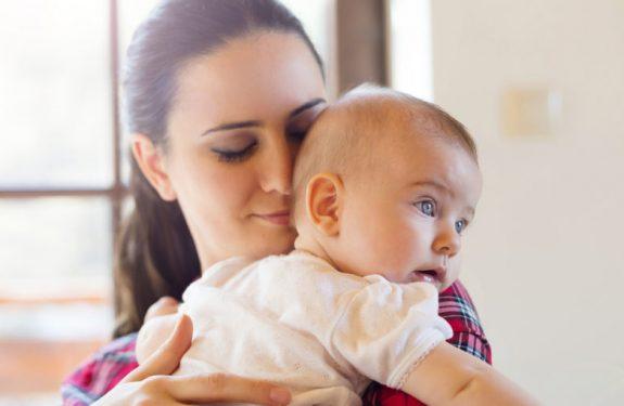 ¿Cómo saber si mi bebé tiene gases?