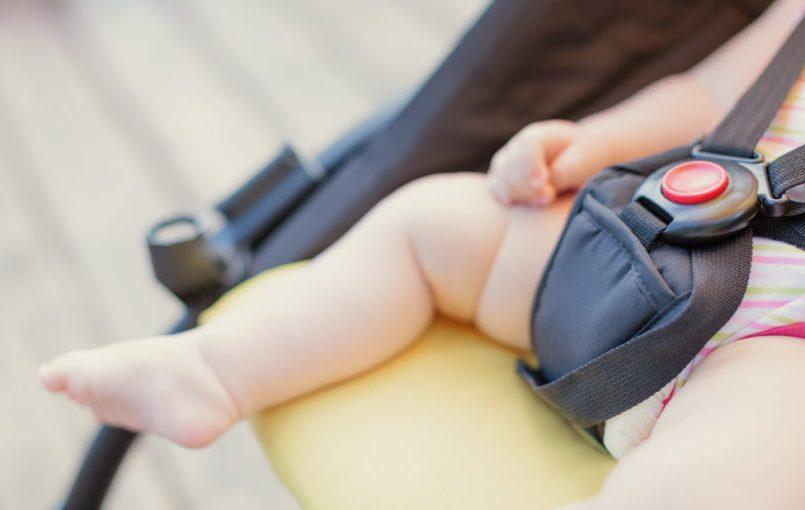 Consejos para pasar al bebé del capazo a la silla de paseo