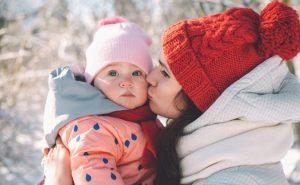 Consejos para proteger al bebé del frío en invierno