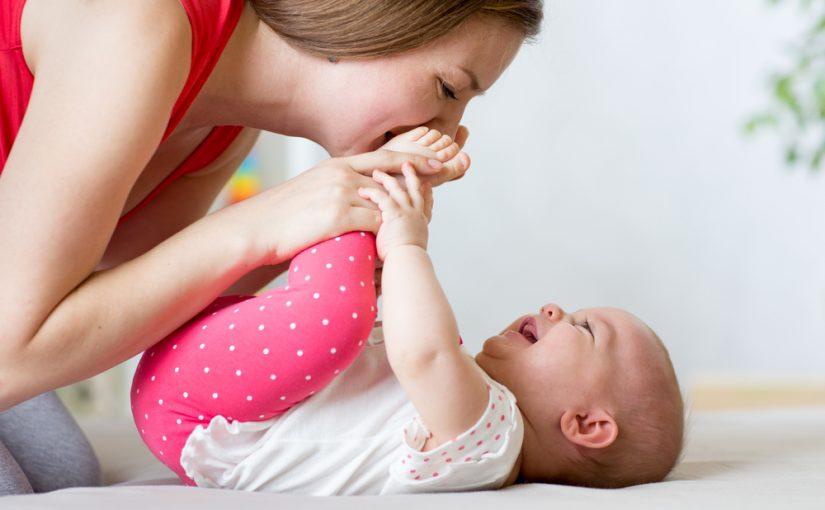 ¿En qué consiste el masaje Shantala para bebés?