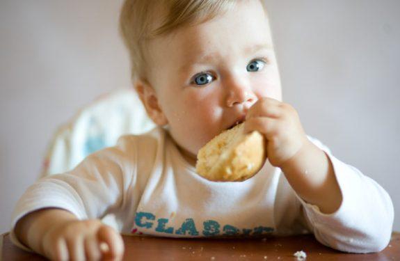 Errores al dar de comer al bebé