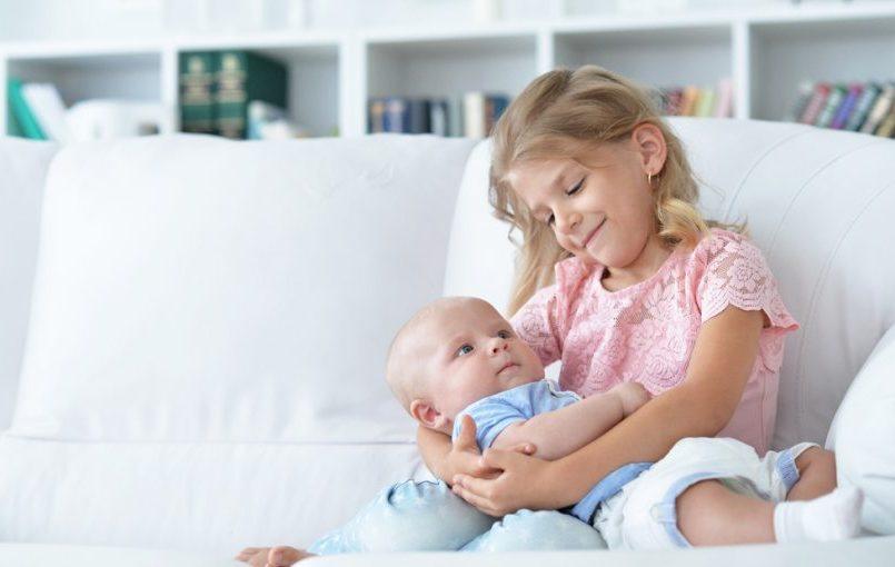 Cómo presentar el bebé al hermano mayor