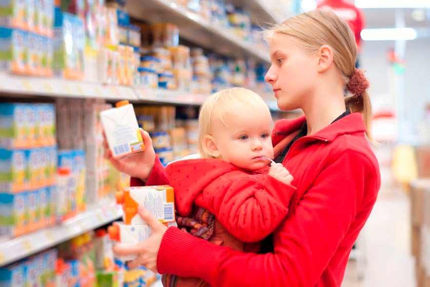 Así debes organizarte para hacer la compra con el bebé