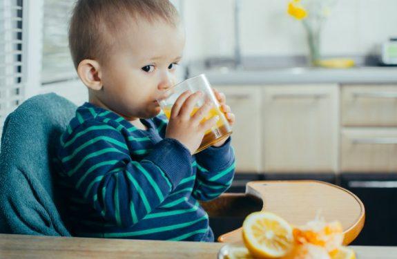 Cómo preparar zumos para el bebé
