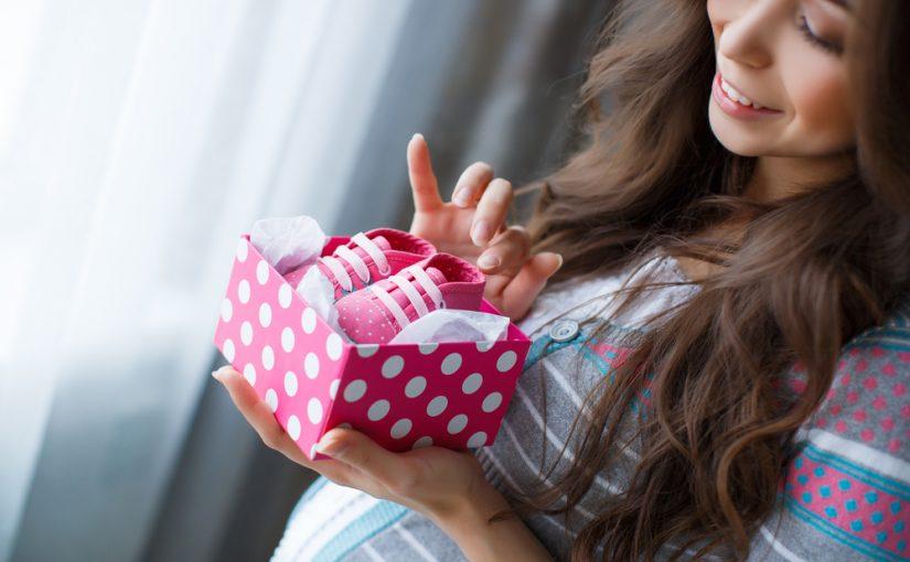 8 ideas de regalos para mamás y sus recién nacidos