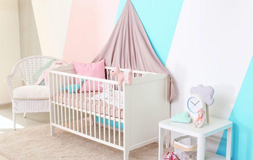 Decora la habitación del bebé con vinilos