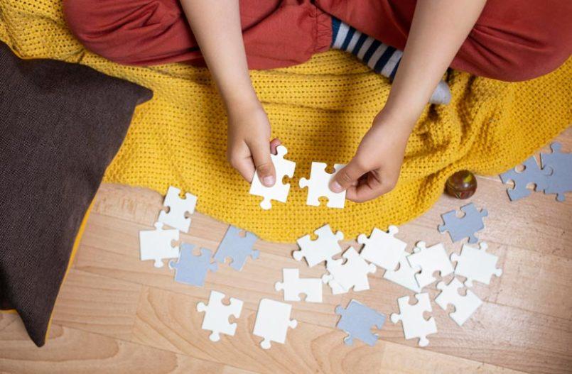 ¿Cuáles son los beneficios de jugar con puzles?